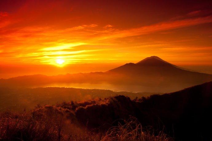 252466__beautiful-sun-red-sky_p